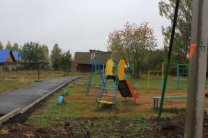 ул.Октябрьская,дорожки к бельевым стойкам